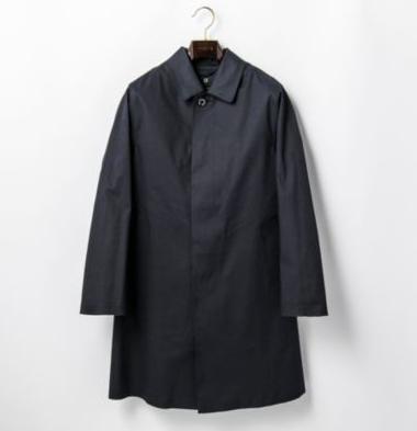 流行りのネイビーステンカラーコートはこう着こなす!