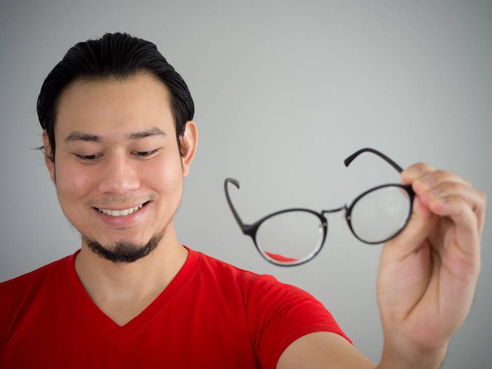 メガネで好感度をアップする。戦略的にメガネを見つけるテクニック