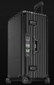 引用:http://www.rimowa.com/en-us/topas-stealth-sport-multiwheel-electronic-tag-99l-black-suitcase/923.80.01.5