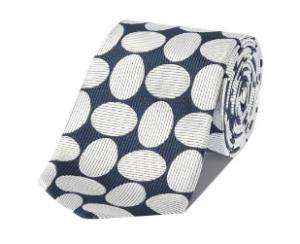 引用: http://www.chesterbarrie.co.uk/shirts-ties/shop-by-category-15/ties/navy-woven-oval-silk-tie.html