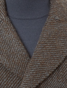 引用: https://hardyamies.com/brown-and-grey-stripe-peacoat
