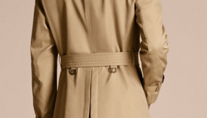 引用: https://uk.burberry.com/the-chelsea-short-heritage-trench-coat-p40107191