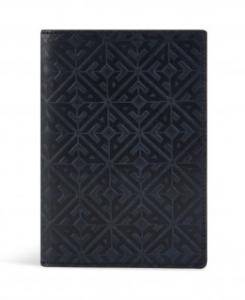 引用: https://hardyamies.com/navy-embossed-leather-passport-holder-os