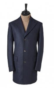 引用: http://www.chesterbarrie.co.uk/tailoring-17/shop-by-collection/chester-barrie-black/blue-wool-coat-4563.html