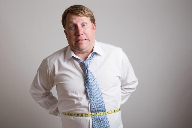 最近なんだか太ってきたなと思ったら|着痩せするメンズ服の選び方