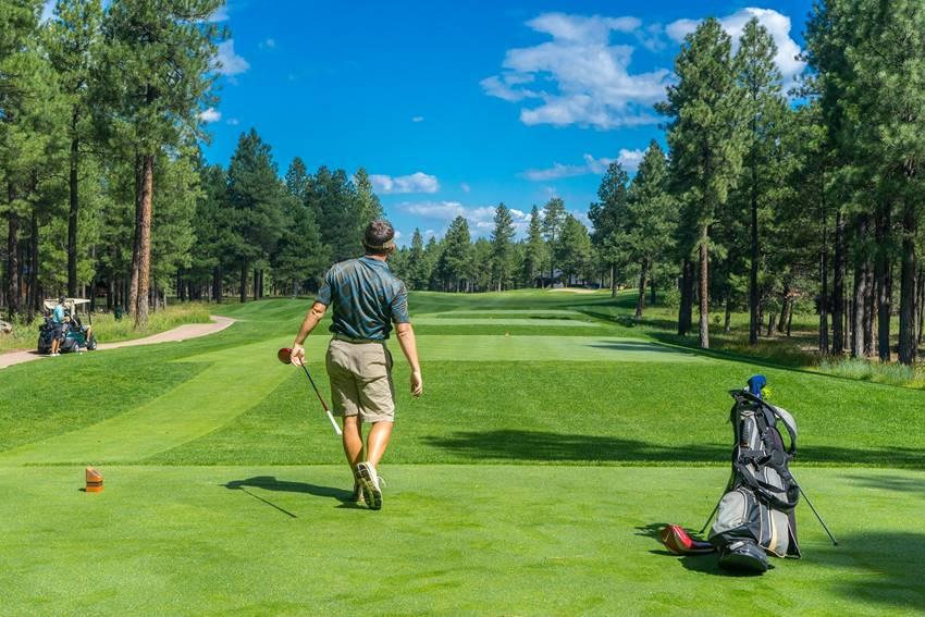 接待ゴルフでも浮かないポロシャツ|30代におすすめのブランド7選