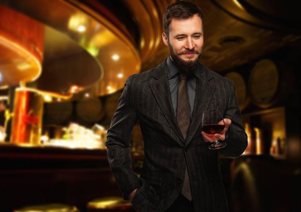 ビジネススーツをお洒落に演出する、カルティエ男のアクセサリー