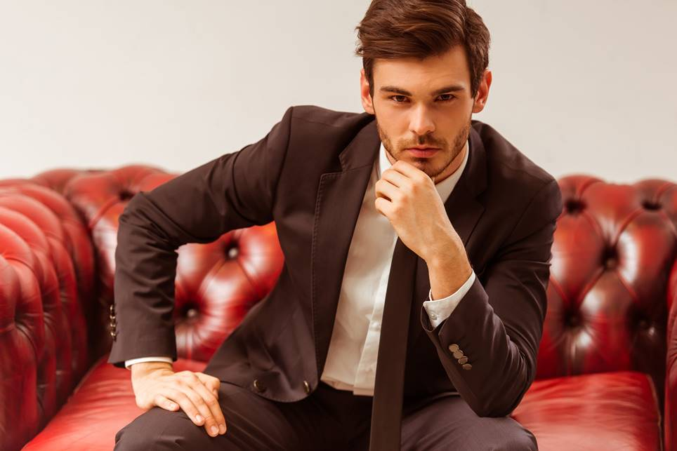 できる男を演出。45歳会社員が知っておきたいスーツの色合わせのコツ