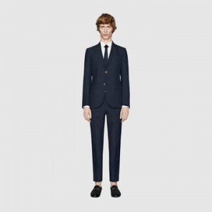 引用:https://www.gucci.com/jp/ja/pr/men/mens-ready-to-wear/mens-suits/monaco-cotton-wool-jacquard-suit-p-406135Z491B4251?position=1&listName=ProductGridComponent&categoryPath=Men/Mens-Ready-to-Wear/Mens-Suits