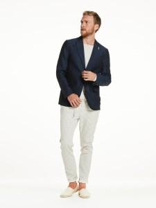 引用:https://www.scotch-soda.com/global/en/men/blazers-waistcoats/cotton-linen-blazer/136173.html?cgid=1006&dwvar_136173_color=Combo%20B&start=3