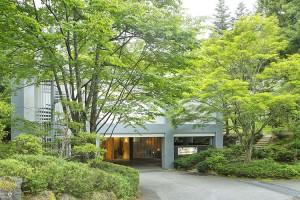 引用:http://www.arflex.co.jp/about/kawaguchiko/imgs/img_cs01_01.jpg