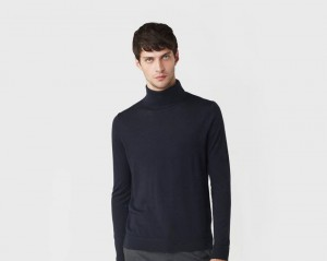 引用: https://pringlescotland.com/collections/mens-knitwear/products/roll-neck-merino-jumper-in-midnight-pmt804-2217
