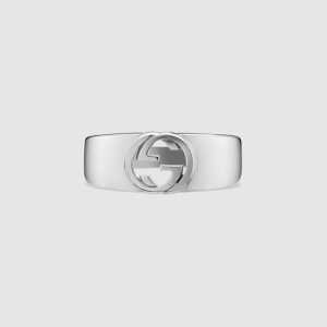 引用: https://www.gucci.com/jp/ja/pr/jewelry-watches/silver-jewelry/silver-rings/interlocking-g-ring-in-silver-p-374666J84000702?position=43&listName=ProductGridComponent&categoryPath=Jewelry-Watches/Silver-Jewelry/Silver-Jewelry-For-Men