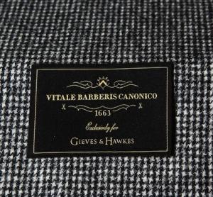 引用:http://www.vitalebarberiscanonico.it/news-ed-eventi/510/vitale-barberis-canonico-in-mostra-da-gieves-hawkes,-al-no.-1-di-savile-row-a-londra#vbc