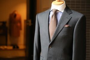 引用:https://pixabay.com/en/fashion-suit-tailor-clothes-1979136/