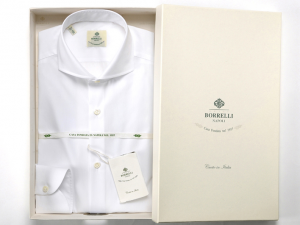 引用: http://www.luigiborrelli-onlinestore.jp/fs/borrelli/Dress_Shirts/1096501010
