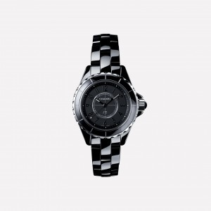 引用:https://www.CHANEL.com/wfj/product/medias/j12-intense-black-watch/H4196-default-0-3080-grey-nocrop-1476192987483.jpg
