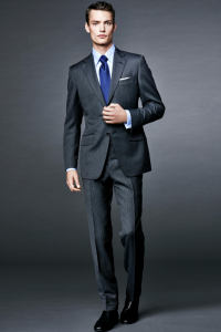 引用:http://i1.adis.ws/i/tom_ford/SS16_MENS_BOND_LOOK_6.jpg?$collectionzoom$
