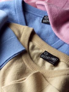引用: http://www.henrypoole-jp.com/accessories/accessories_sweaters.html
