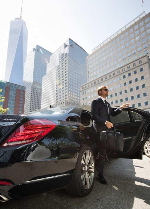 「成功者の証」と賞されるビジネスマンのNo.1スーツ|ヒューゴ・ボス
