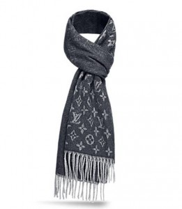 (引用: http://jp.louisvuitton.com/jpn-jp/products/monogram-gradient-scarf-011961)