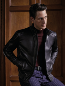 引用: http://www.corneliani.com/en/collection/jacket-man-natural-nappa-FW16