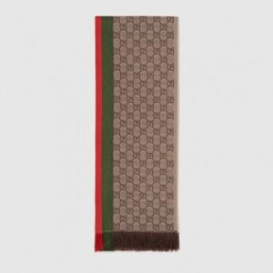 (引用: https://www.gucci.com/jp/ja/pr/men/accessories/hats-soft-accessories/scarves/gg-jacquard-wool-scarf-p-4338544G2004066?position='56&listName=ProductGridComponent&categoryPath=Men/Accessories/Hats-Soft-Accessories/Scarves)'