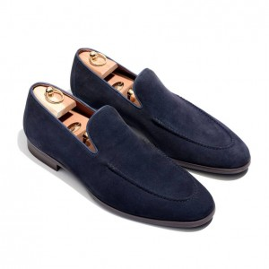 (引用: https://www.loropiana.com/jp/eshop/シューズ-city-loafer-walk-water-repellent-suede/p-FAF2364)