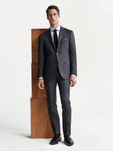 引用: http://www.corneliani.com/en/collection/suit-man-pinstripe-grey-FW16