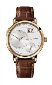 引用:https://www.alange-soehne.com/assets/Timepieces/FrontImage-440x720-px-FrontDetailImage-2320x3600-px/Lange-Grosse-Lange-Grand-Lange-1-Rotgold-pink-gold-117-032-Zoom-front-72dpi2.jpg
