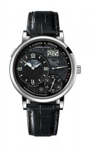 引用:https://www.alange-soehne.com/assets/Timepieces/FrontImage-440x720-px-FrontDetailImage-2320x3600-px/LANGE-GROSSE-LANGE1-MONDPHASE-LUMEN-139-035-front.jpg