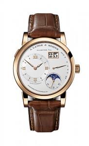 引用:https://www.alange-soehne.com/assets/Timepieces/FrontImage-440x720-px-FrontDetailImage-2320x3600-px/Lange-Lange-1-Mondphase-moon-phase-Rotgold-pink-gold-109-032-Zoom-front-72dpi2.jpg