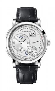 引用:https://www.alange-soehne.com/assets/Timepieces/FrontImage-440x720-px-FrontDetailImage-2320x3600-px/Lange-Lange1-Zeitzone-Weissgold-white-gold-116-039-Zoom-front-72dpi2.jpg