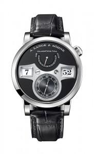 引用:https://www.alange-soehne.com/assets/Timepieces/FrontImage-440x720-px-FrontDetailImage-2320x3600-px/Lange-Lange-Zeitwerk-Weissgold-White-gold-140029-Zoom-front-72dpi3.jpg