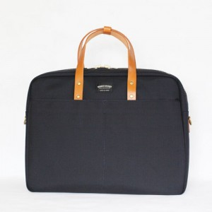 引用:http://wonder-baggage.com/wp-content/themes/wonder-baggage/images/product2/GM_br/GM_br_01.jpg