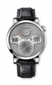 引用:https://www.alange-soehne.com/assets/Timepieces/FrontImage-440x720-px-FrontDetailImage-2320x3600-px/Lange-Lange-Zeitwerk-Handwerkskunst-Platin-Platinum-140048-front-72dpi.jpg