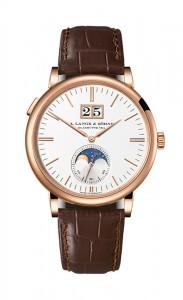 引用:https://www.alange-soehne.com/assets/Timepieces/FrontImage-440x720-px-FrontDetailImage-2320x3600-px/LANGE-SAXONIA-MONDPHASE-384-032-front.jpg