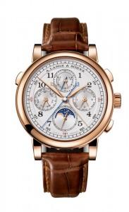引用:https://www.alange-soehne.com/assets/Timepieces/FrontImage-440x720-px-FrontDetailImage-2320x3600-px/Lange-1815-Rattrapante-Ewiger-Kalender-Perpetual-Calendar-Rotgold-pink-gold-421-032.jpg