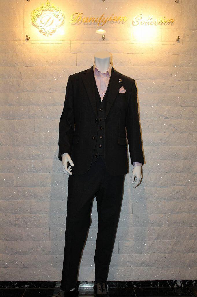 これで服の悩みは解決!個性的デニムスーツ・ブラック