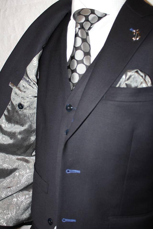 お気に入りのネクタイを長く楽しむために気を付けること