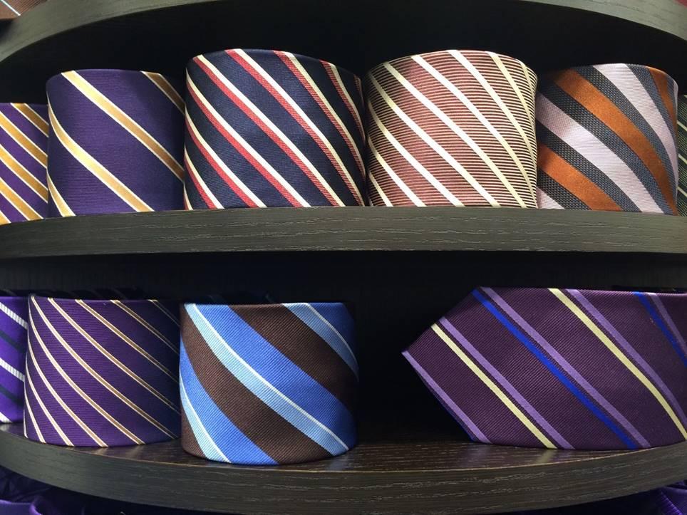 品質の良いネクタイを見極める4つの方法