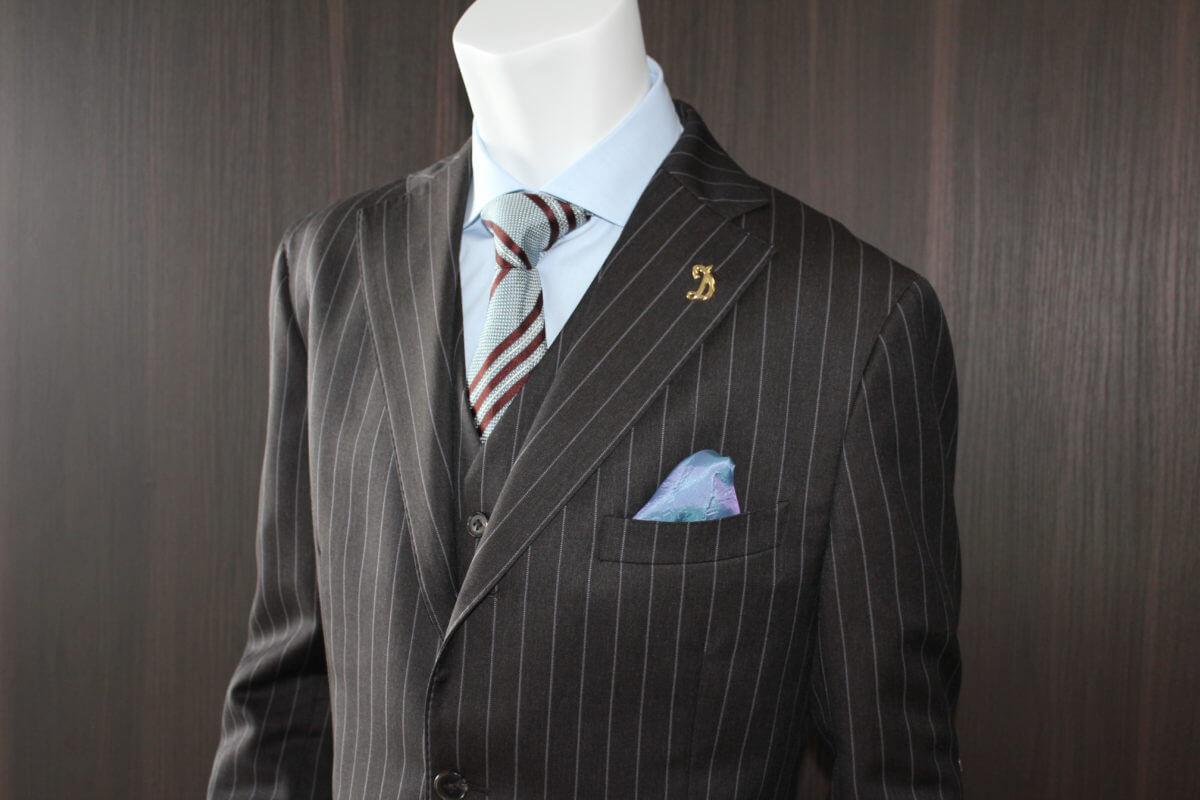 【プロ直伝】スーツを長持ちさせるためのお手入れ方法とクリーニングの出し方