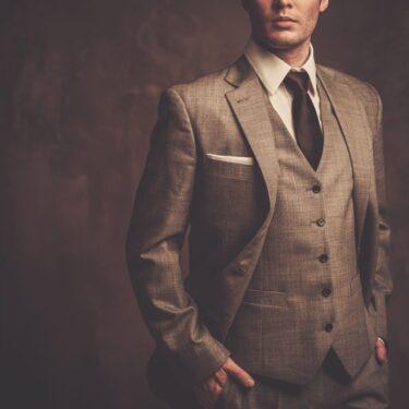 スーツが似合わないのは着方のせい?苦手スーツを克服してかっこよく着こなす方法