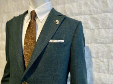 さりげなさがかっこいい。スーツの大人男性に合うアクセサリー