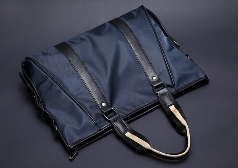 ナイロン鞄