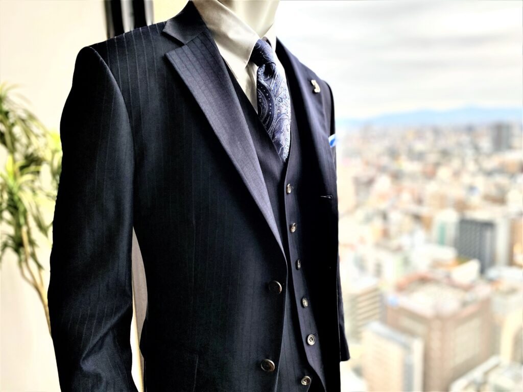 光沢スーツ